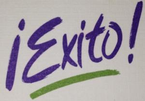 Logotipo de la revista ¡Éxito!, Miami, Fl, Estados Unidos. Década de los 90