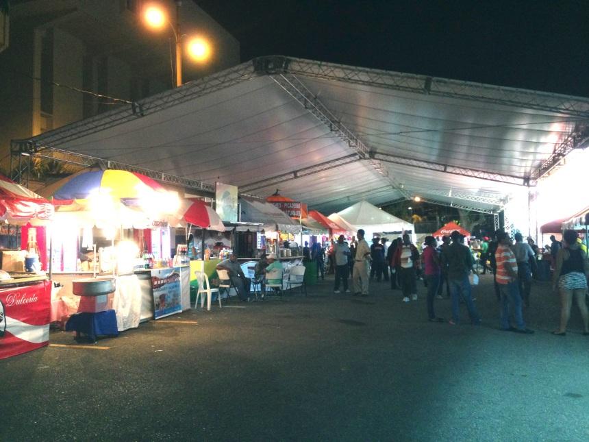 Parte del área de comida de la Feria del Libro