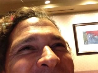 Mi intento fallido de selfie con Carlos Vives.