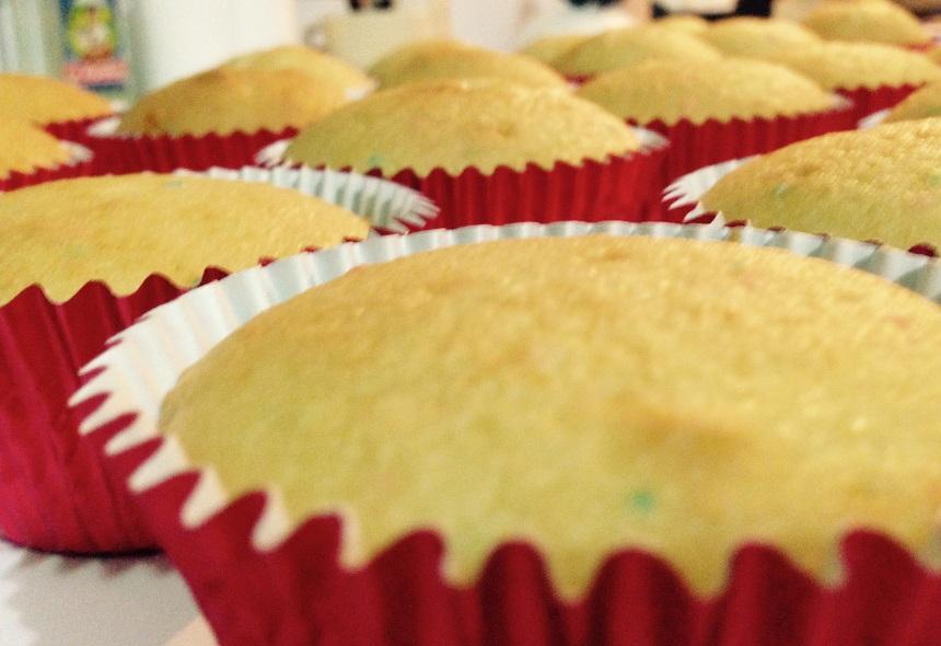 Cupcakes recién horneados