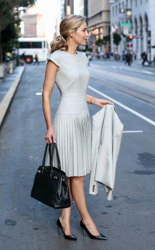 what-to-wear-to-an-interview-business-formal-suit-best-starter-work-wardrobe-essentials-jcrew-9am-super-120s-wool-dress-skirt-pants-jacket-grey-san-francisco-sf-fashion-blog-memorandum-mary-orton1