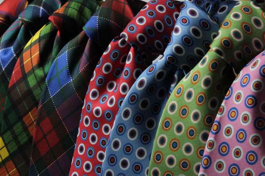 neckties-cravats-ties-fashion-63580.jpeg